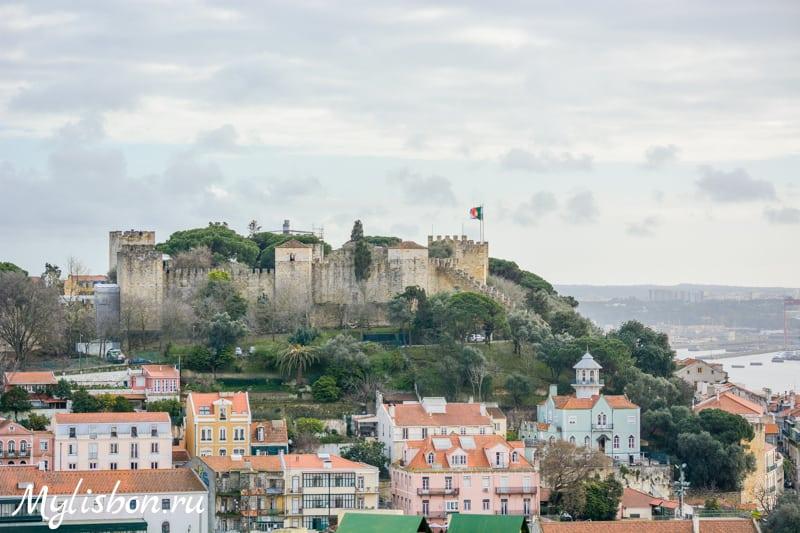 Вид внутри замка святого георгия португалия