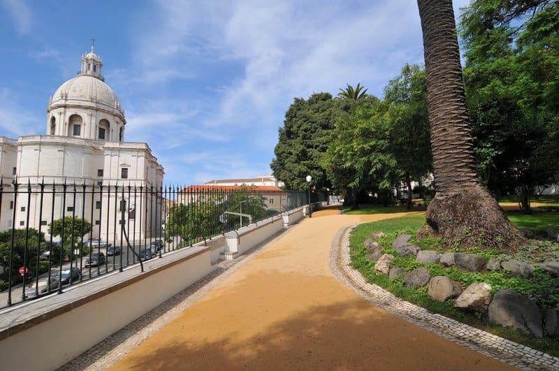 Бото Машаду в Лиссабоне (Парк у Пантеона)