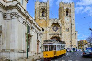 28 Трамвай и Кафедральный Собор Сэ